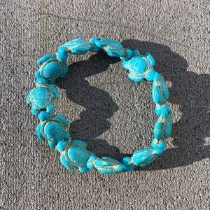 NWOT: TURTLE WOOD BEADS BLUE BRACELET JEWELRY